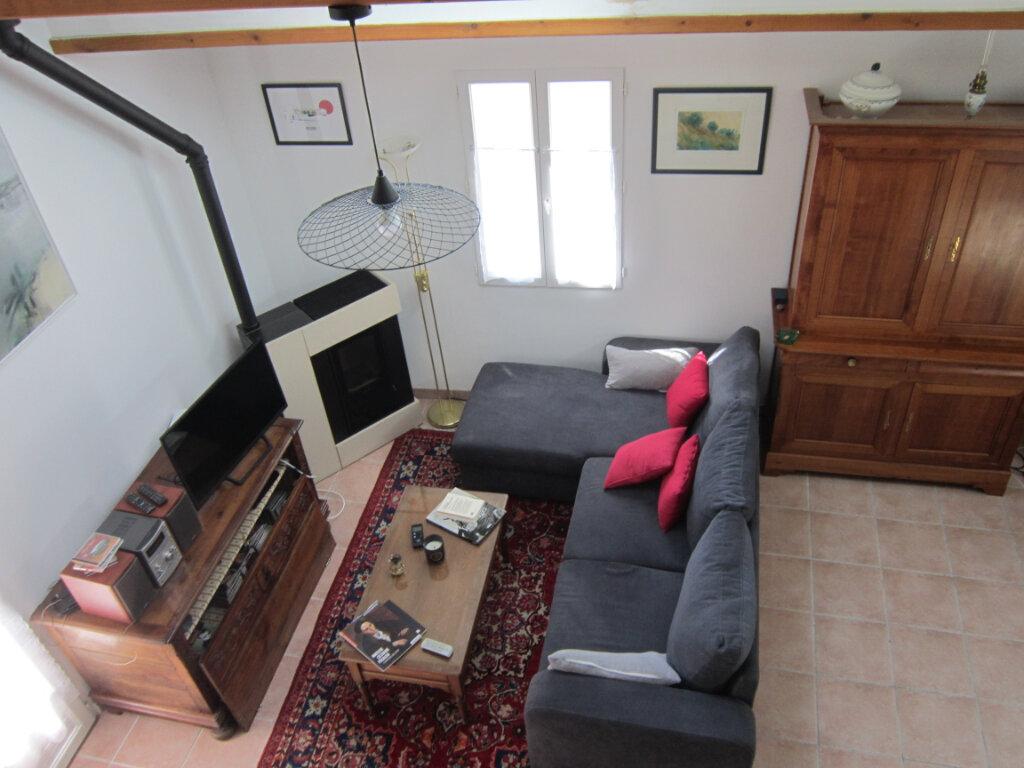Maison à vendre 4 106m2 à Breuillet vignette-2