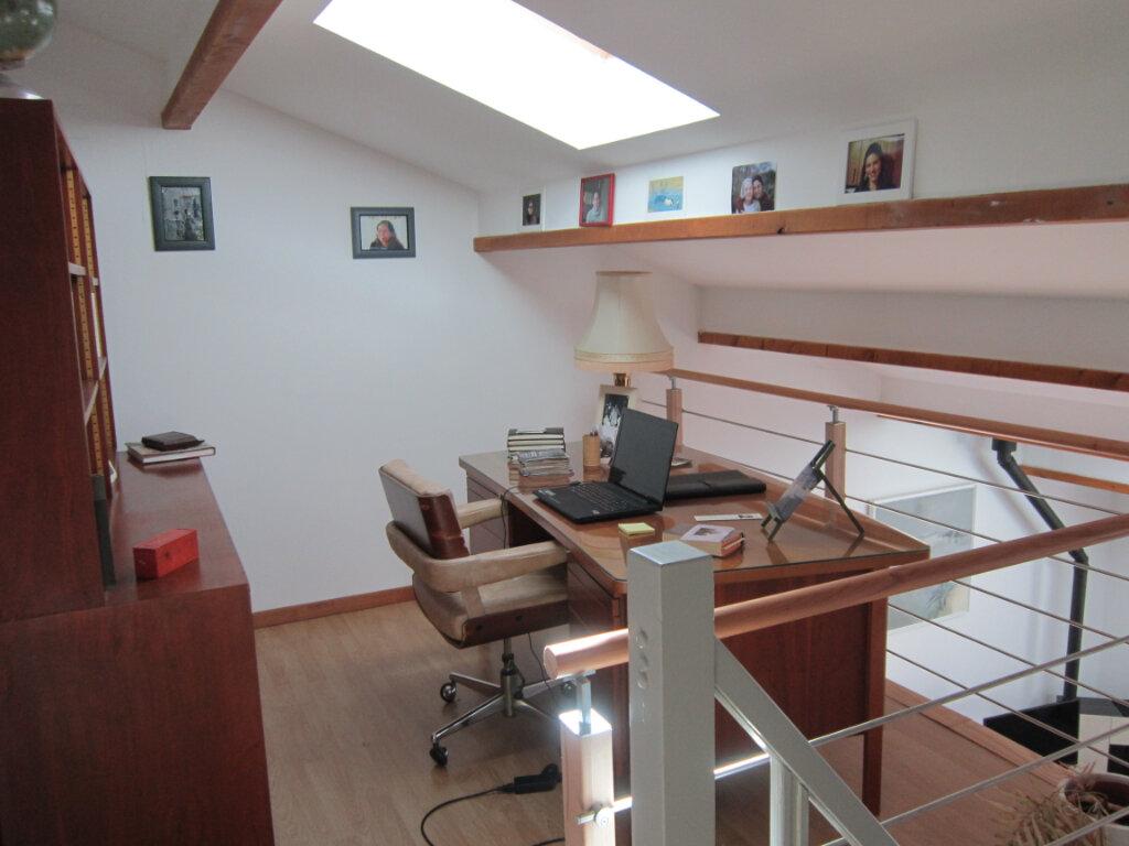 Maison à vendre 4 106m2 à Breuillet vignette-9
