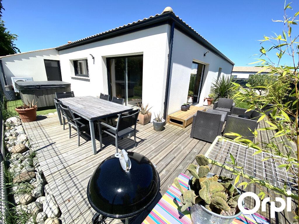 Maison à vendre 4 92.48m2 à Saint-Palais-sur-Mer vignette-1
