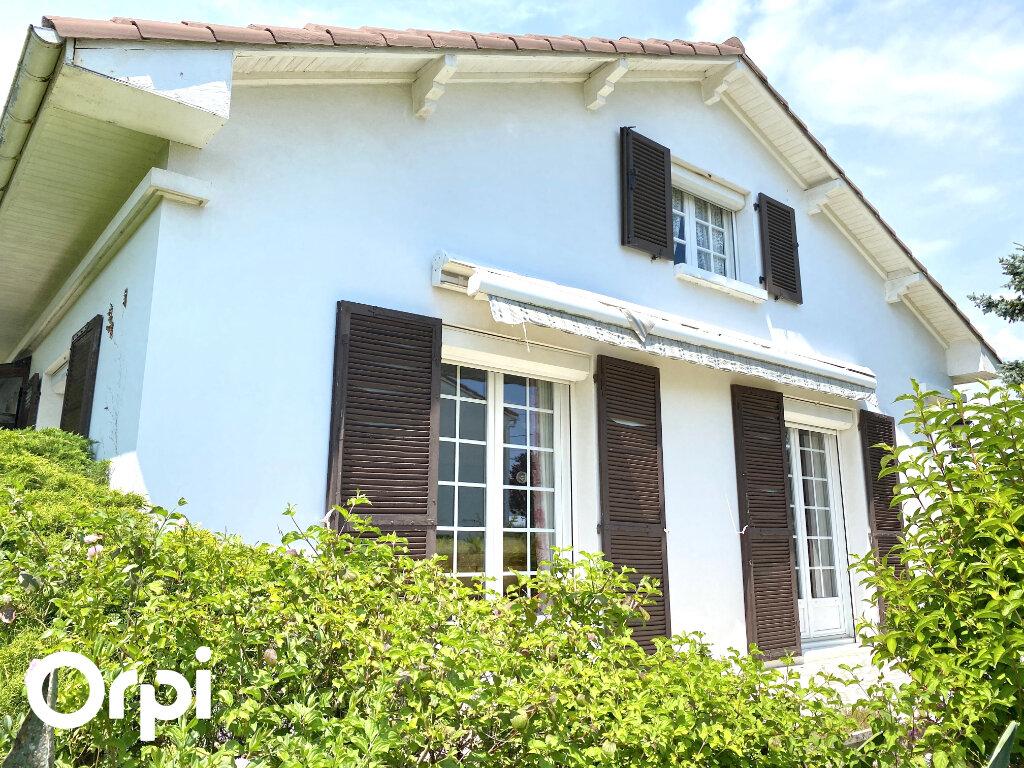 Maison à vendre 5 130m2 à Saint-Palais-sur-Mer vignette-2