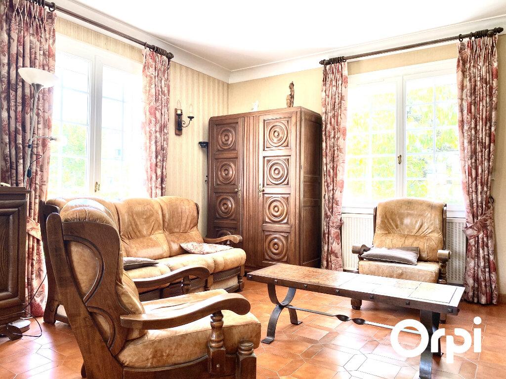 Maison à vendre 5 130m2 à Saint-Palais-sur-Mer vignette-5