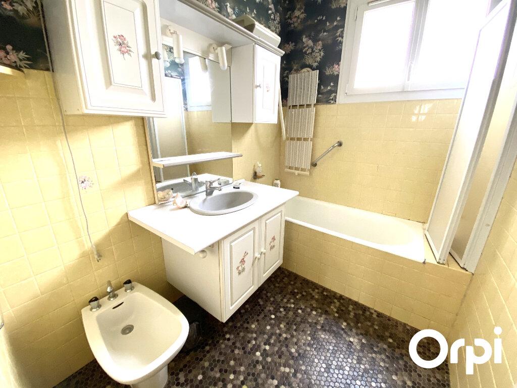 Maison à vendre 5 130m2 à Saint-Palais-sur-Mer vignette-8