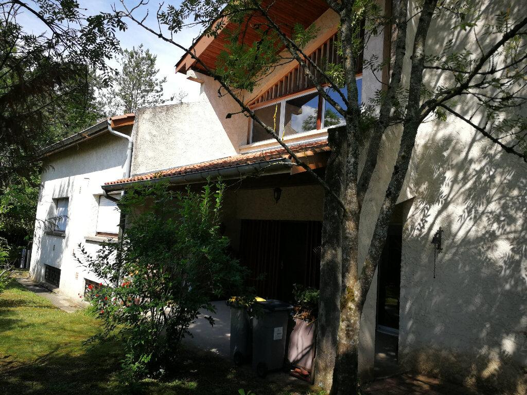 Maison à vendre 9 225m2 à Bourg-en-Bresse vignette-2