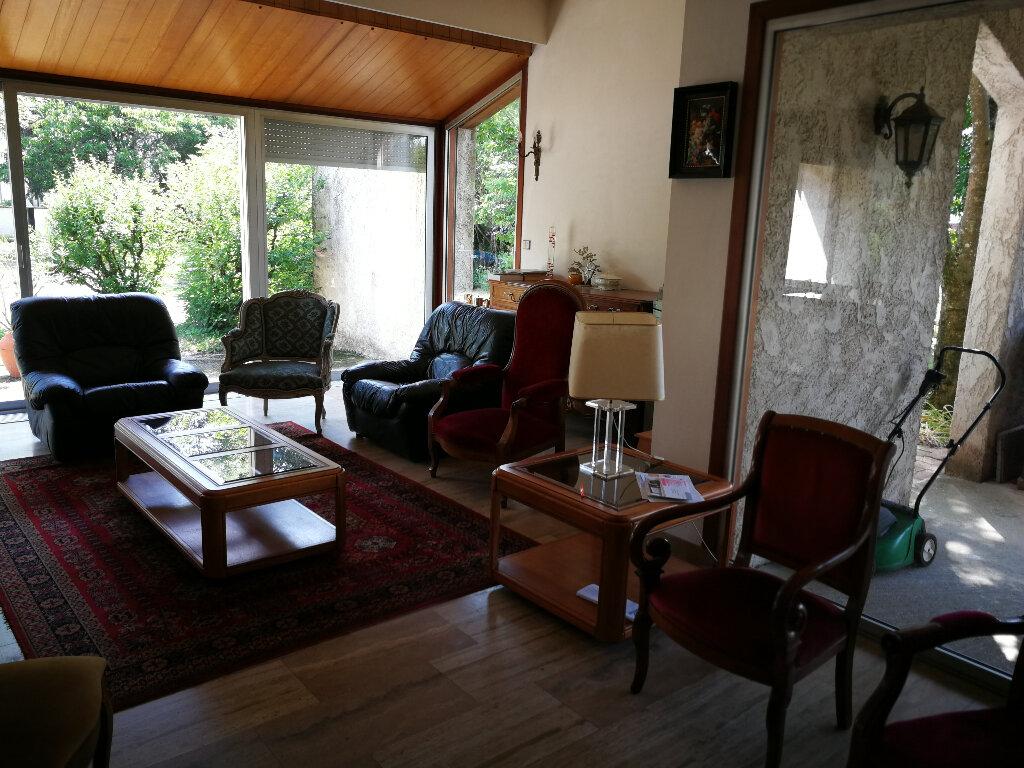 Maison à vendre 9 225m2 à Bourg-en-Bresse vignette-3