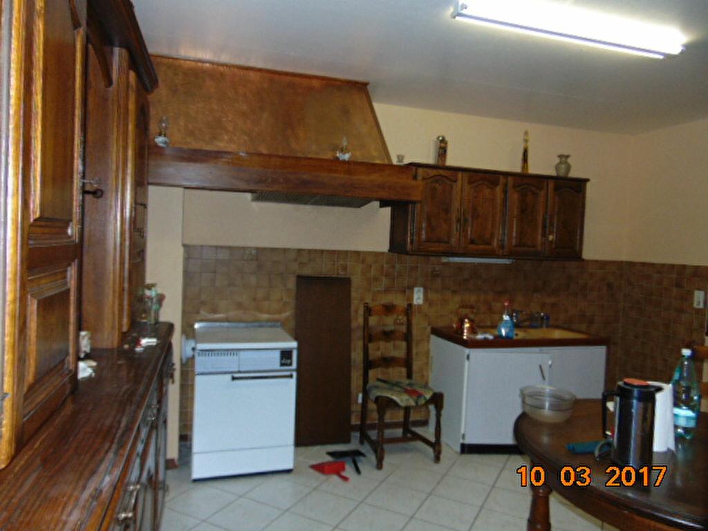 Maison à vendre 10 204m2 à Cormaranche-en-Bugey vignette-4