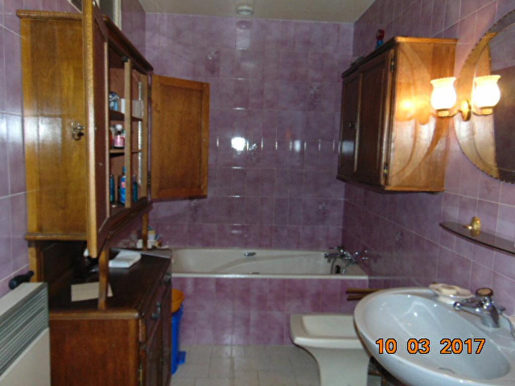 Maison à vendre 10 204m2 à Cormaranche-en-Bugey vignette-5