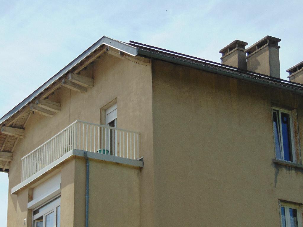 Appartement à vendre 4 65.3m2 à Hauteville-Lompnes vignette-1
