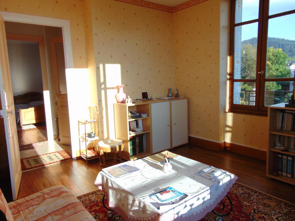 Appartement à vendre 4 65.3m2 à Hauteville-Lompnes vignette-5