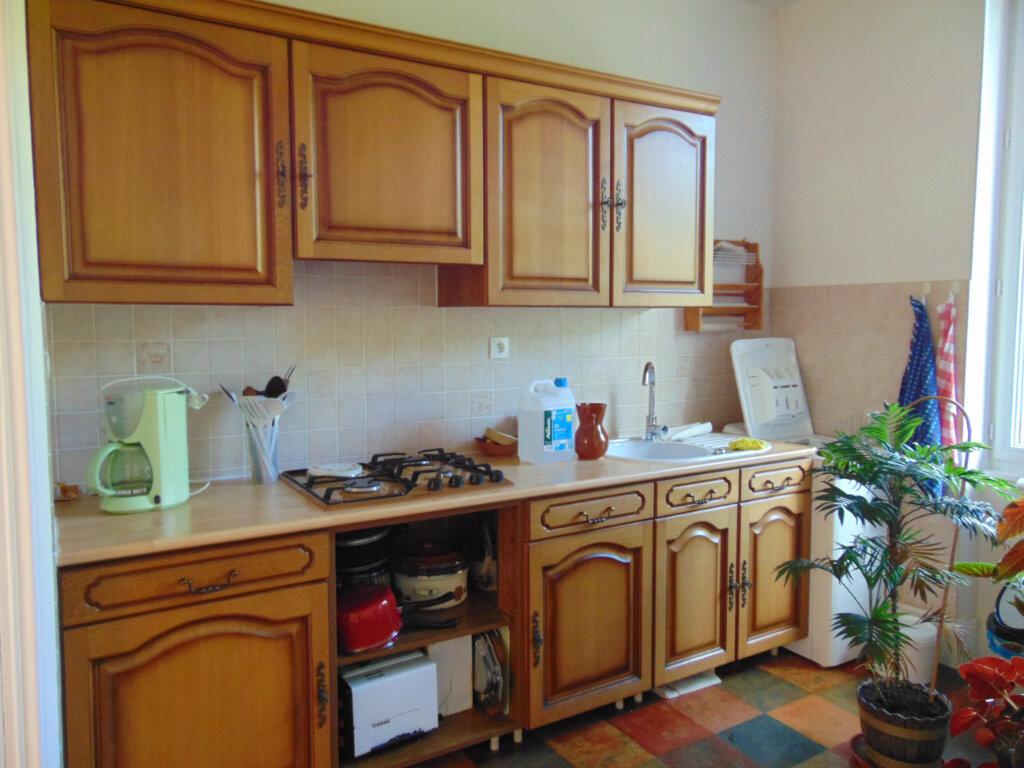 Appartement à vendre 4 65.3m2 à Hauteville-Lompnes vignette-6
