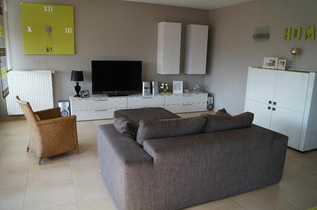 Appartement à vendre 5 106.43m2 à Attignat vignette-1