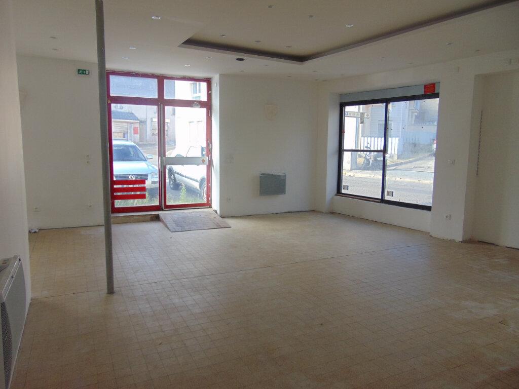 Maison à vendre 5 145m2 à Hauteville-Lompnes vignette-3