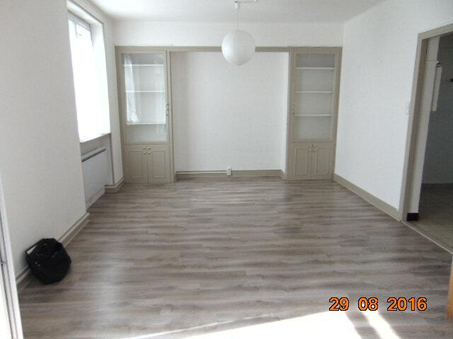 Appartement à vendre 4 76.85m2 à Hauteville-Lompnes vignette-2