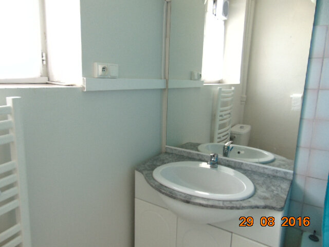 Appartement à vendre 4 76.85m2 à Hauteville-Lompnes vignette-4