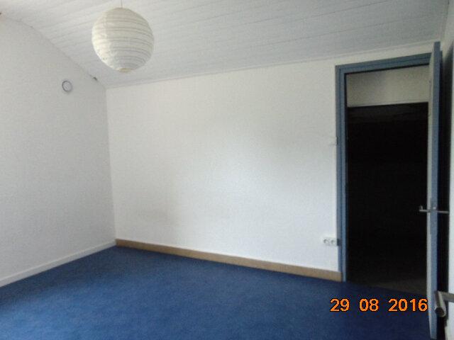 Appartement à vendre 4 76.85m2 à Hauteville-Lompnes vignette-5
