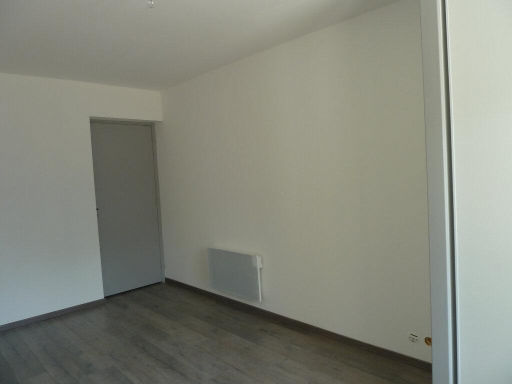 Appartement à vendre 2 52m2 à Brénod vignette-4