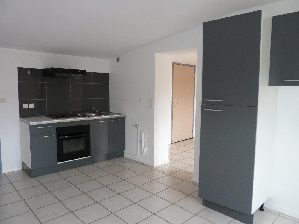 Appartement à vendre 2 68m2 à Brénod vignette-1