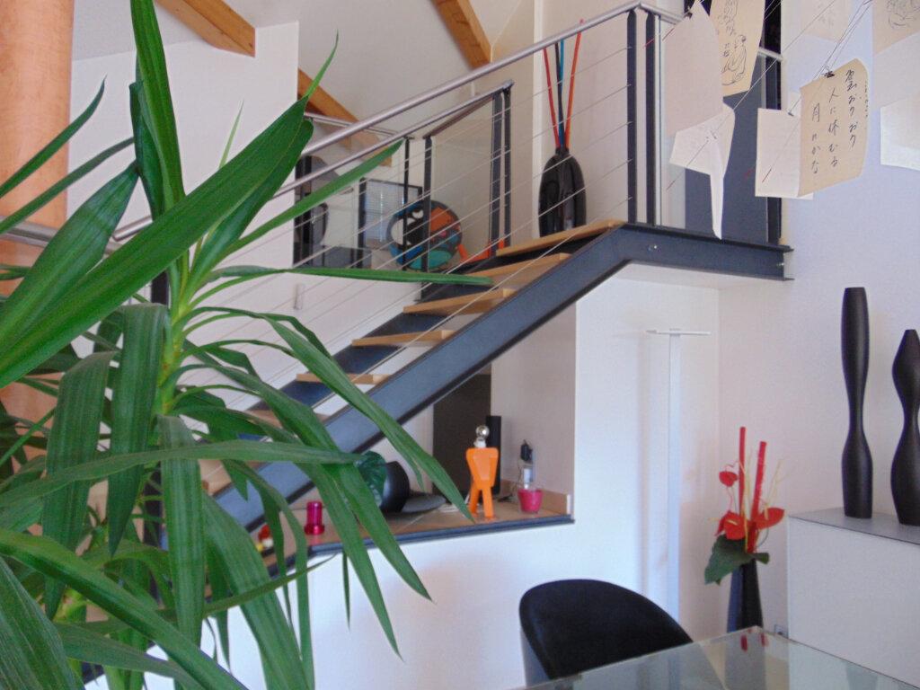 Maison à vendre 7 193m2 à Hauteville-Lompnes vignette-6