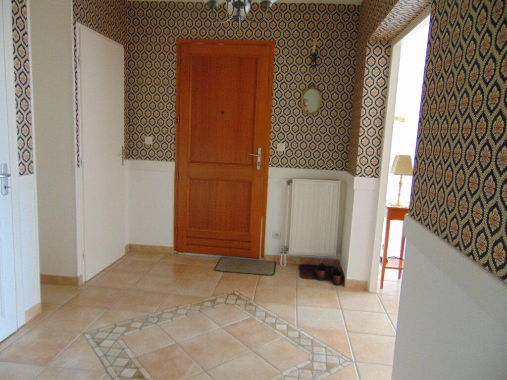 Maison à vendre 7 147m2 à Hauteville-Lompnes vignette-4