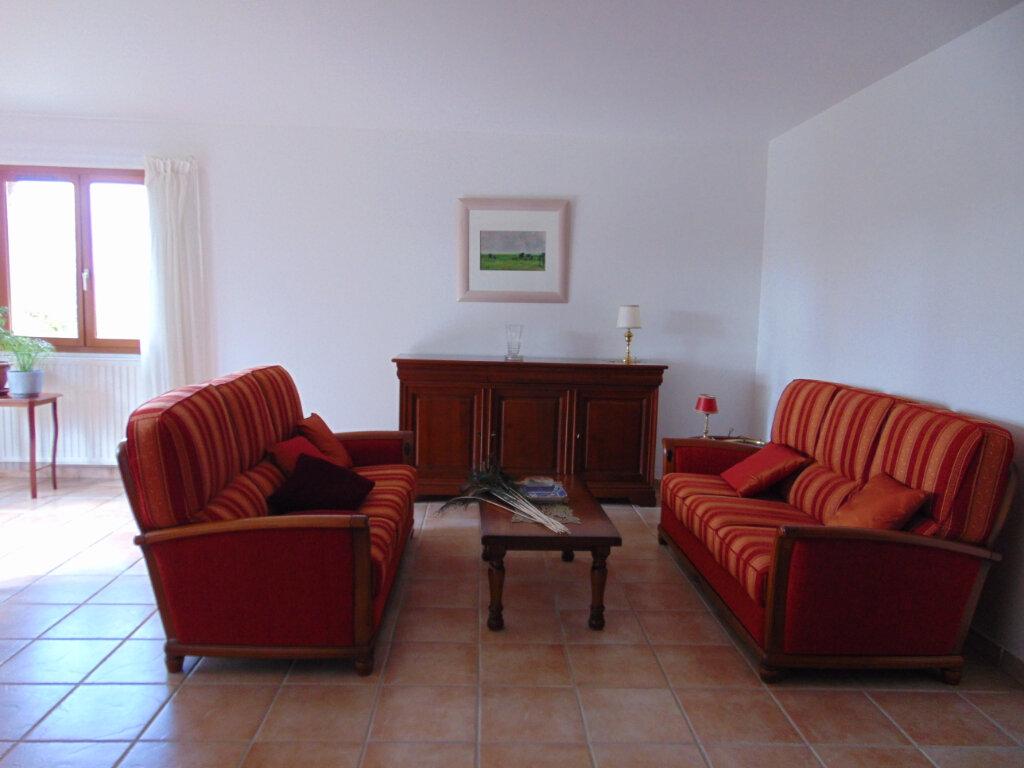Maison à vendre 7 147m2 à Hauteville-Lompnes vignette-7