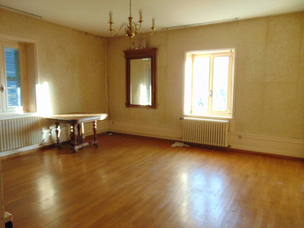 Appartement à vendre 5 92.38m2 à Hauteville-Lompnes vignette-2