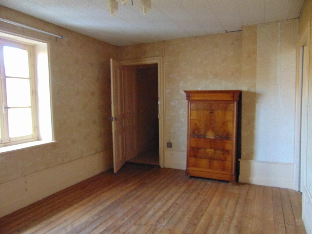 Appartement à vendre 5 92.38m2 à Hauteville-Lompnes vignette-4