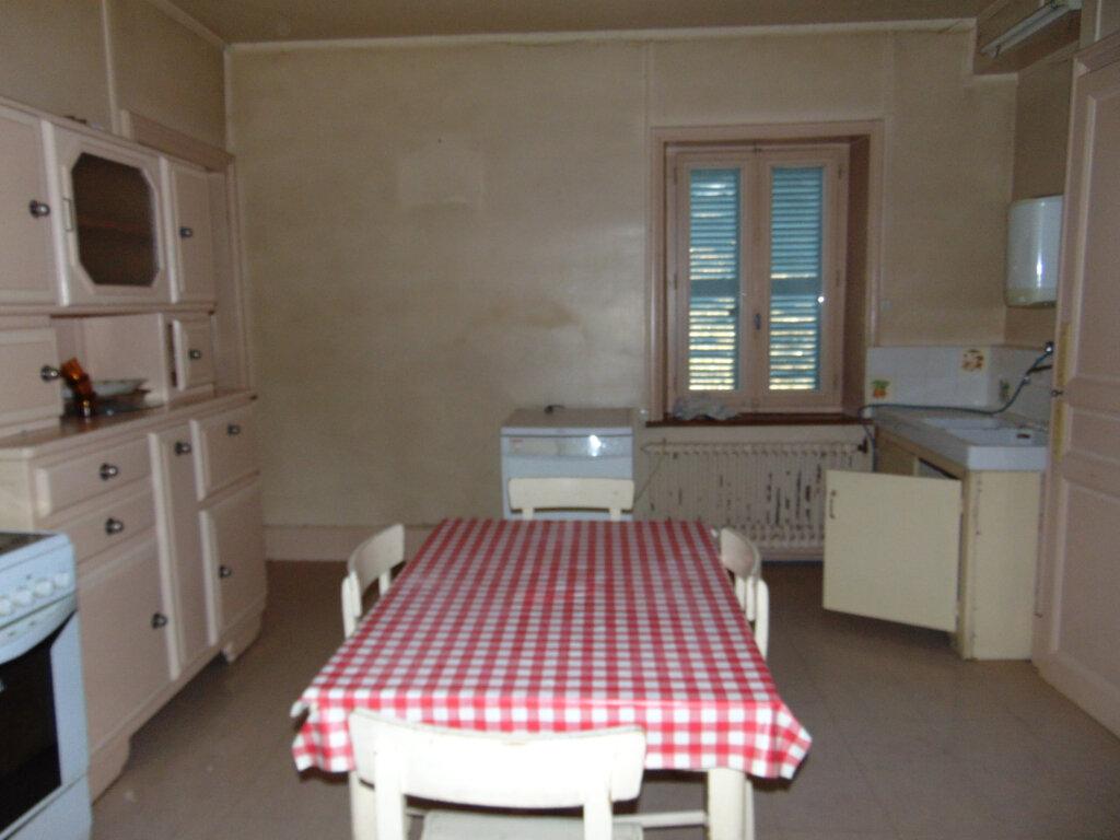 Appartement à vendre 5 92.38m2 à Hauteville-Lompnes vignette-6