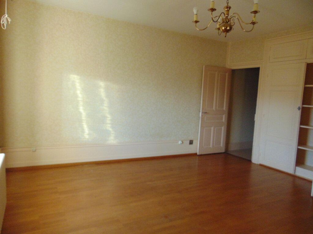 Appartement à vendre 5 92.38m2 à Hauteville-Lompnes vignette-7