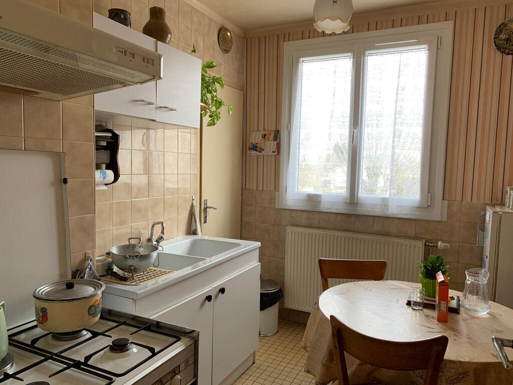Appartement à vendre 4 65m2 à Dole vignette-4
