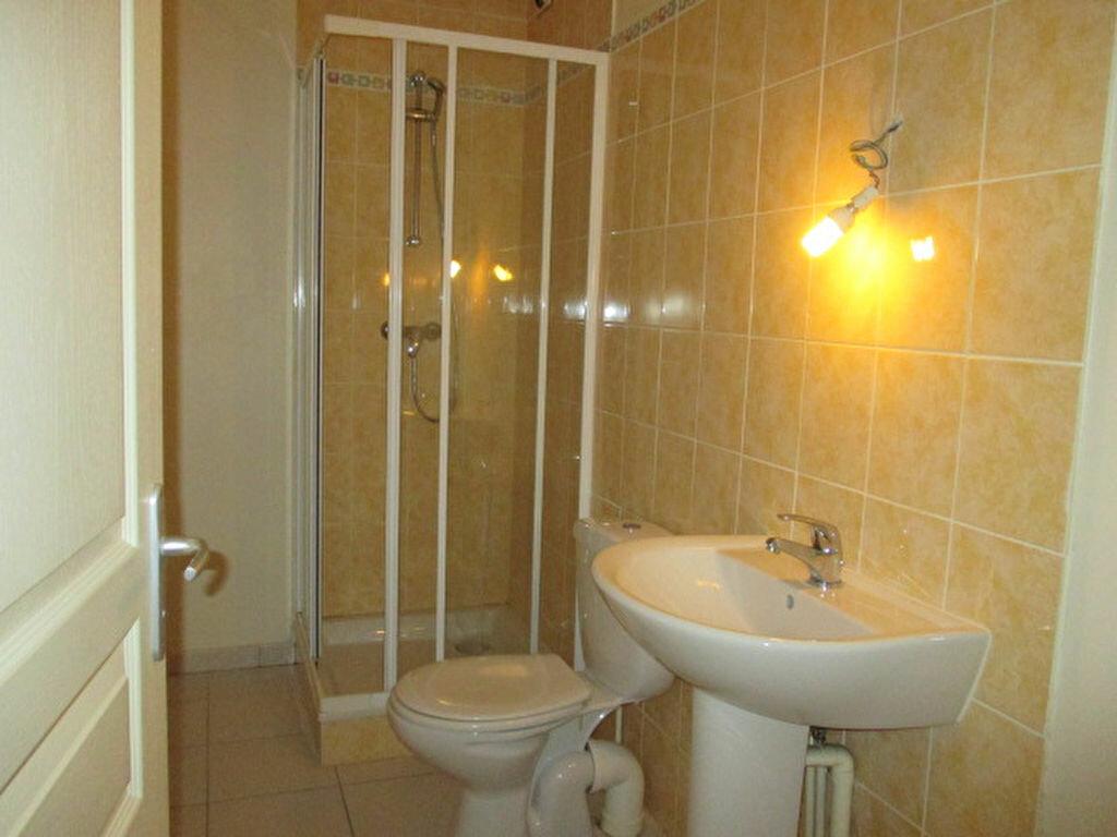 Appartement à louer 1 27m2 à Dijon vignette-3