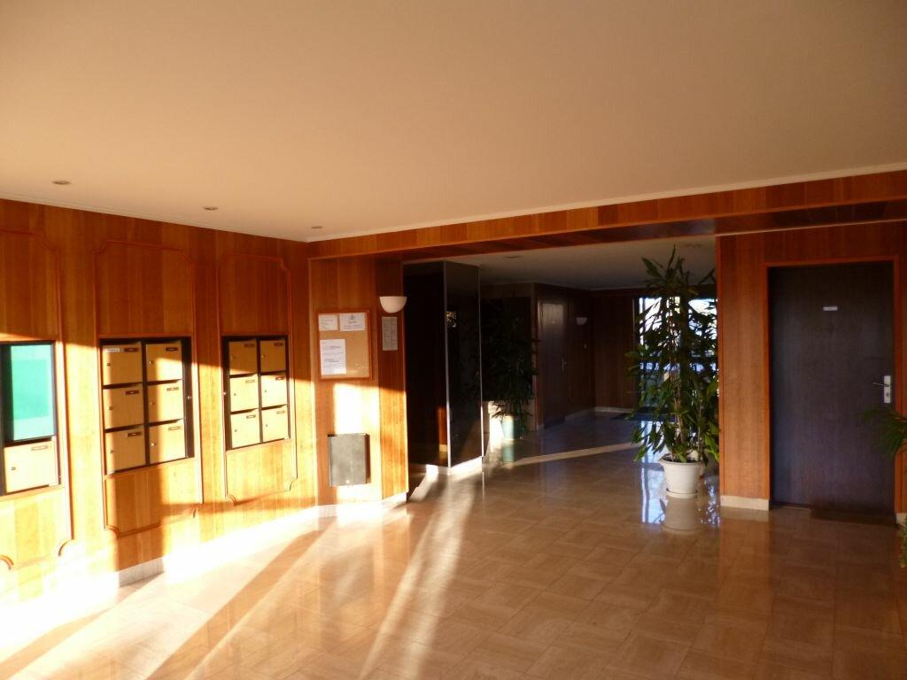 Appartement à louer 1 31m2 à Dijon vignette-2