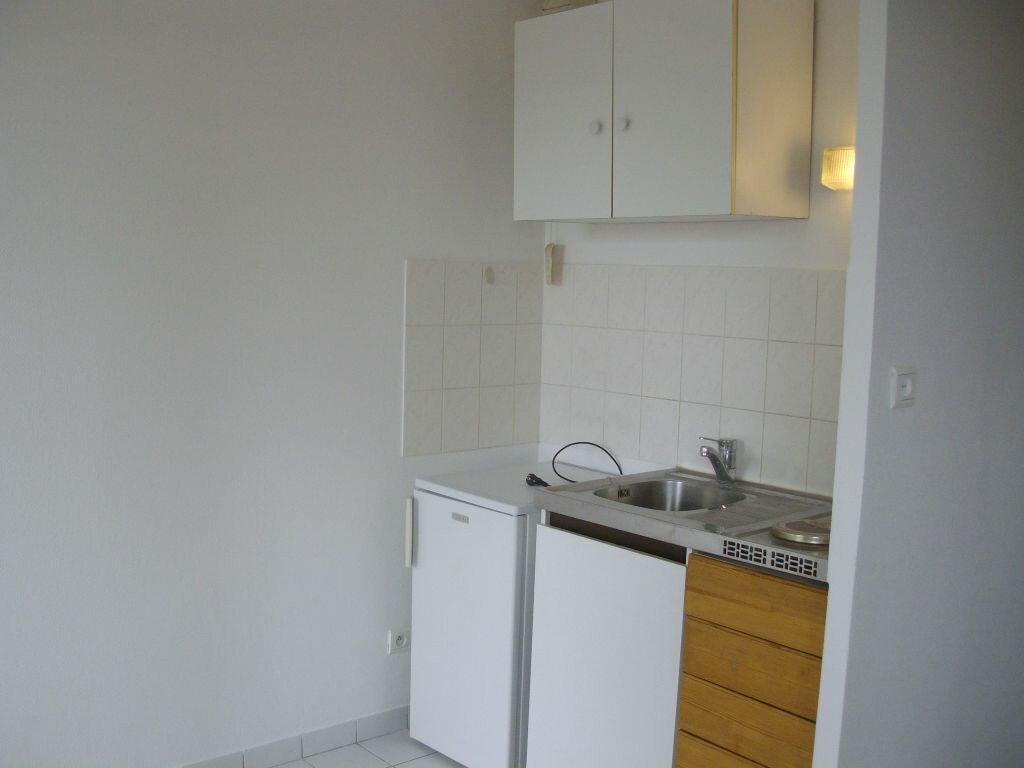 Appartement à louer 1 31m2 à Dijon vignette-3