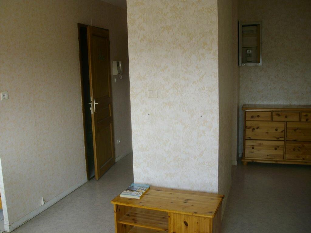 Appartement à louer 1 31m2 à Dijon vignette-6