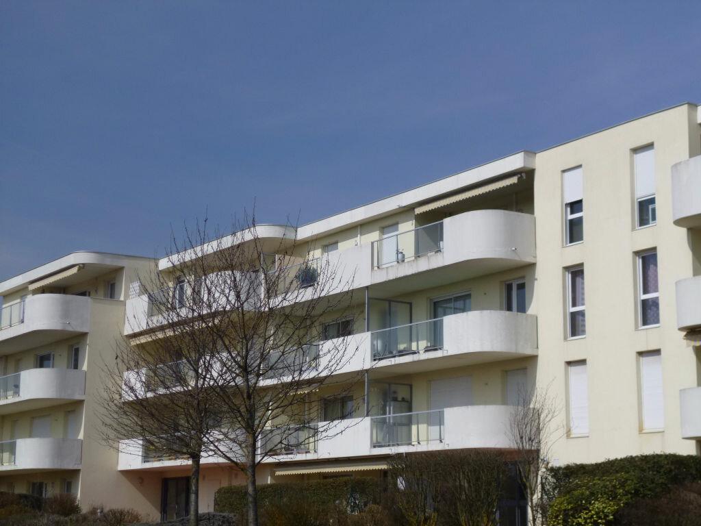 Appartement à louer 2 49m2 à Dijon vignette-1