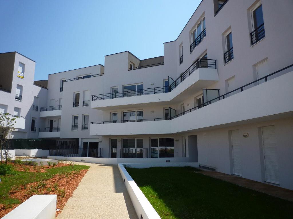Appartement à louer 2 53.3m2 à Dijon vignette-1