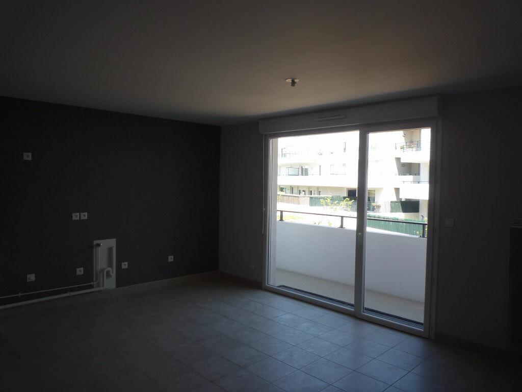 Appartement à louer 2 53.3m2 à Dijon vignette-2