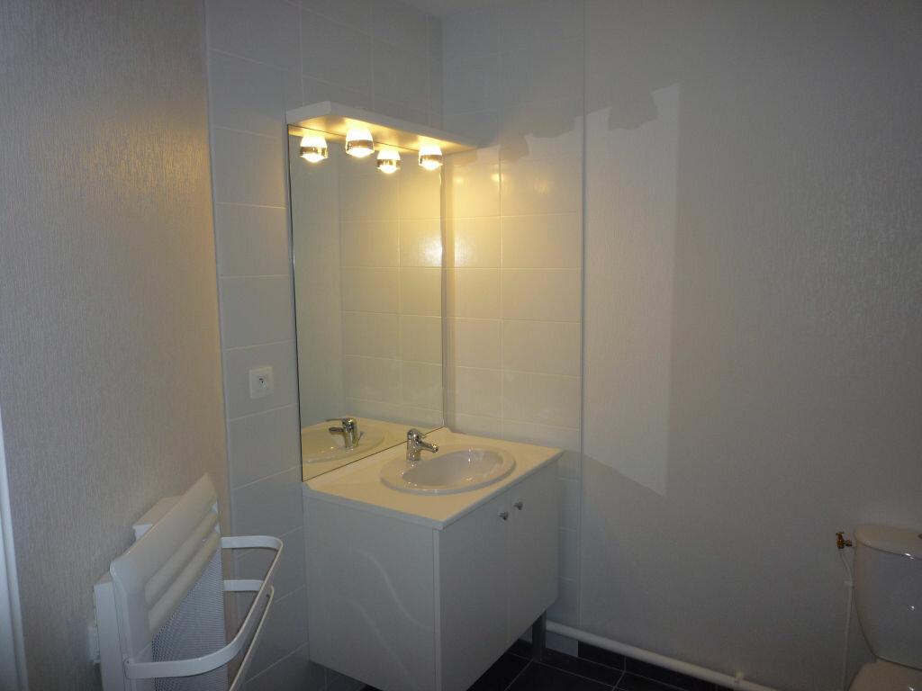 Appartement à louer 2 53.3m2 à Dijon vignette-3