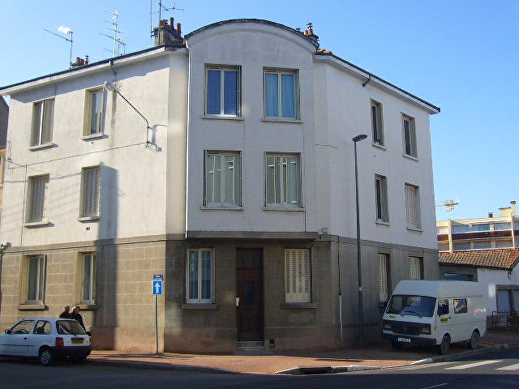 Appartement à louer 3 50m2 à Dijon vignette-1