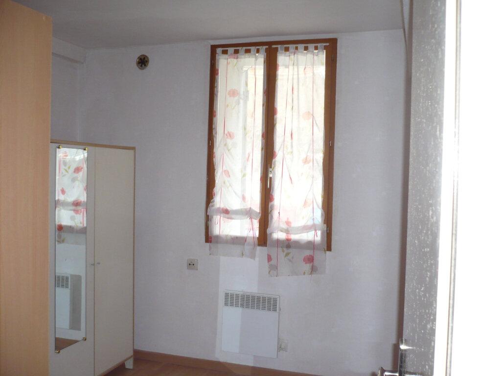 Appartement à louer 3 41.79m2 à Dijon vignette-3