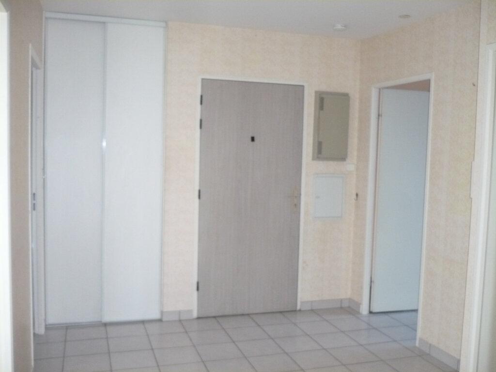 Appartement à louer 6 130m2 à Dijon vignette-2