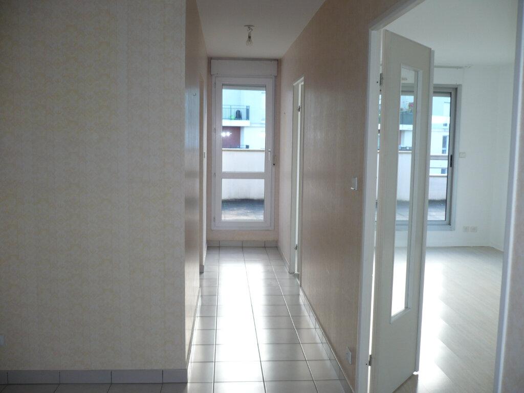 Appartement à louer 6 130m2 à Dijon vignette-3