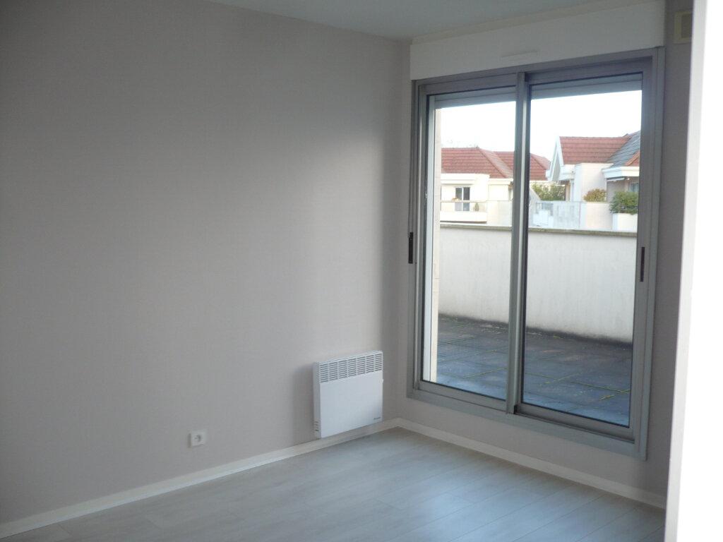 Appartement à louer 6 130m2 à Dijon vignette-6