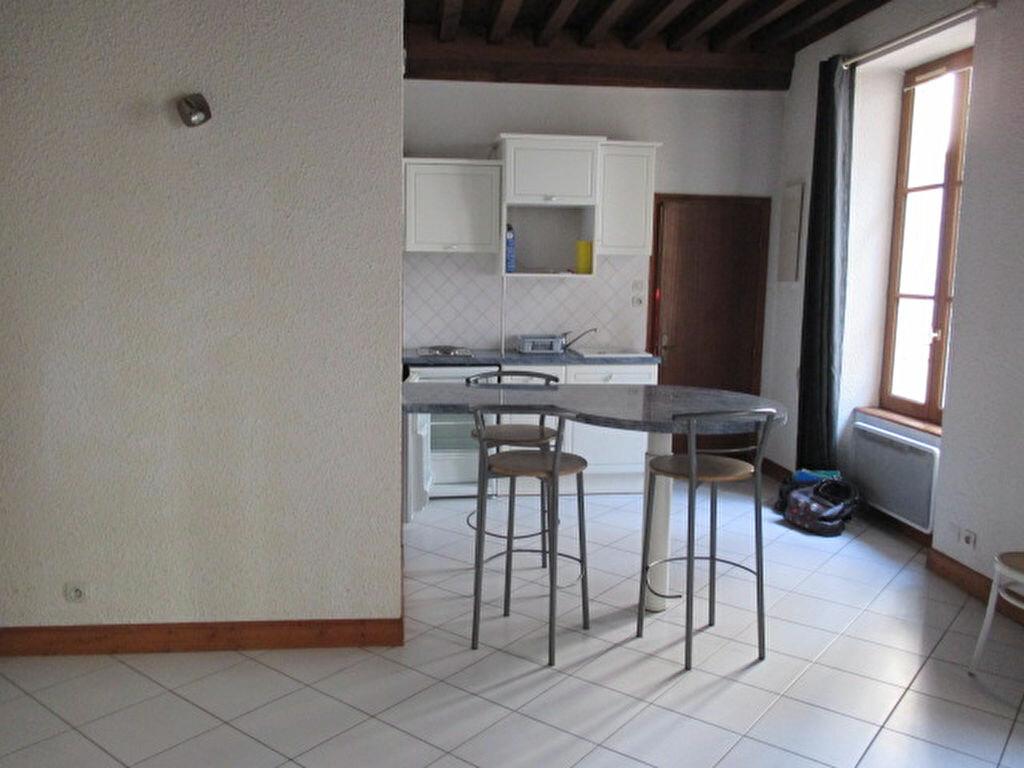 Appartement à louer 2 32m2 à Dijon vignette-2