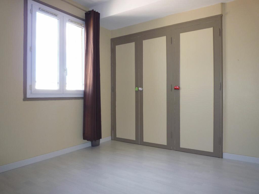 Appartement à louer 4 62.01m2 à Dijon vignette-4