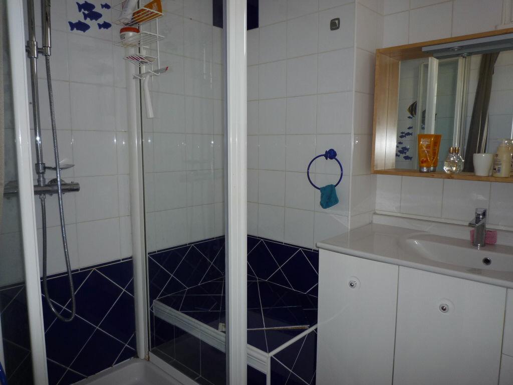 Appartement à louer 4 62.01m2 à Dijon vignette-5