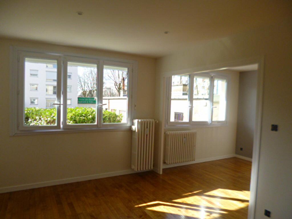 Appartement à louer 3 51.61m2 à Dijon vignette-2