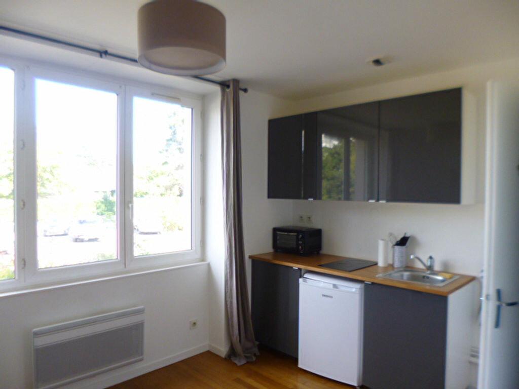 Appartement à louer 1 18.9m2 à Dijon vignette-1