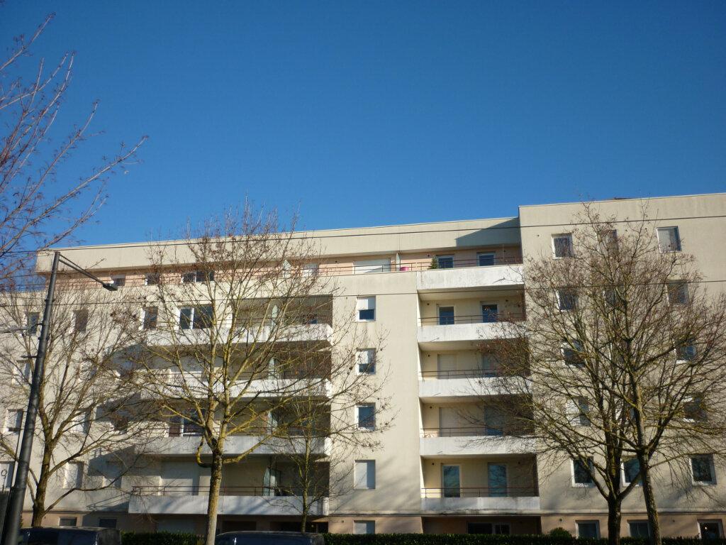 Appartement à louer 2 45m2 à Dijon vignette-1