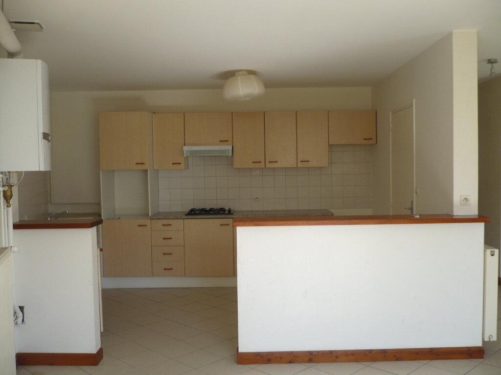 Appartement à louer 4 102.35m2 à Rouvres-en-Plaine vignette-2