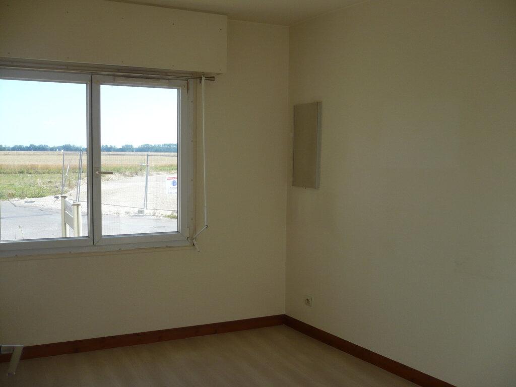 Appartement à louer 4 102.35m2 à Rouvres-en-Plaine vignette-4