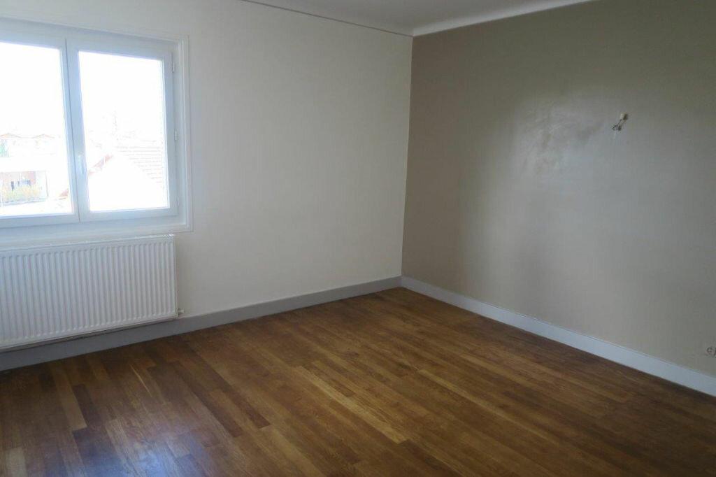 Appartement à louer 2 42m2 à Montrevel-en-Bresse vignette-5
